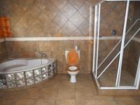 Bathroom 1 of property in Benoni