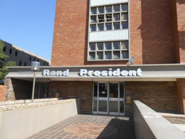 Standard Bank Repossessed 2 Bedroom Sectional Title for Sale on online auction in Ferndale - JHB - MR34513
