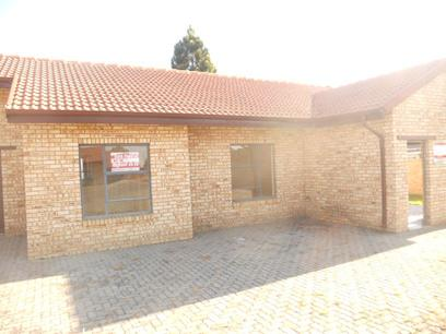 Standard Bank Repossessed 3 Bedroom Apartment on online auction in Meyerton - MR34514