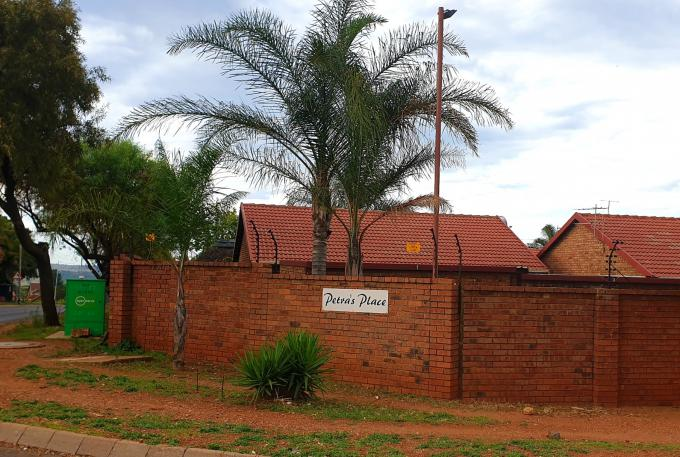 3 Bedroom Sectional Title for Sale For Sale in Eldoraigne - MR346752