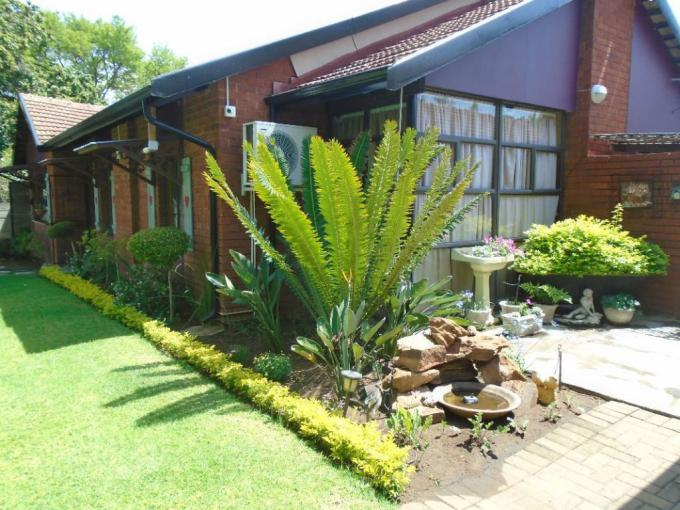 3 Bedroom House for Sale For Sale in Protea Park - MR347528