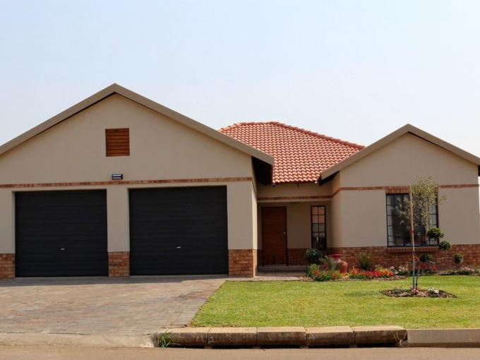 4 Bedroom House for Sale For Sale in Waterkloof (Rustenburg) - MR347541