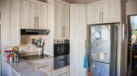 Kitchen - 17 square meters of property in North Riding A.H.