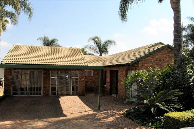 3 Bedroom Duet for Sale For Sale in Die Wilgers - MR349126
