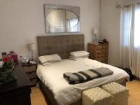 Main Bedroom - 18 square meters of property in Claremont (CPT)