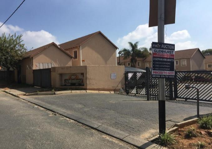 FNB SIE Sale In Execution 2 Bedroom Sectional Title for Sale in Kew - MR352162