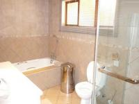Bathroom 1 - 9 square meters of property in Lynnwood