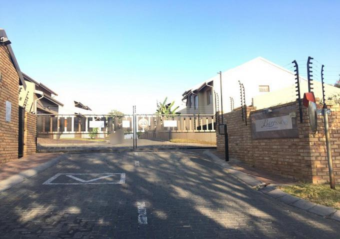 FNB SIE Sale In Execution 3 Bedroom Sectional Title for Sale in Radiokop - MR352800