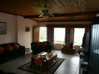 Lounges - 30 square meters of property in Roseville