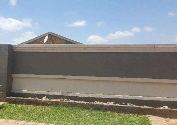 FNB SIE Sale In Execution 2 Bedroom House for Sale in Vosloorus - MR352847