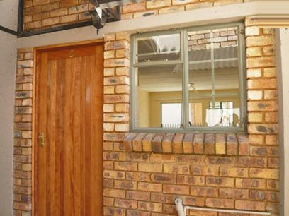 2 Bedroom Duplex for Sale For Sale in Boksburg - Home Sell - MR35296