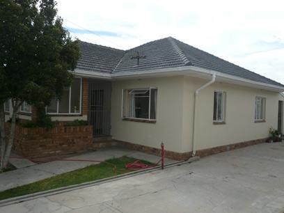 4 Bedroom House For Sale in Parow Central - Private Sale - MR35324