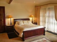 Main Bedroom - 15 square meters of property in Krugersdorp