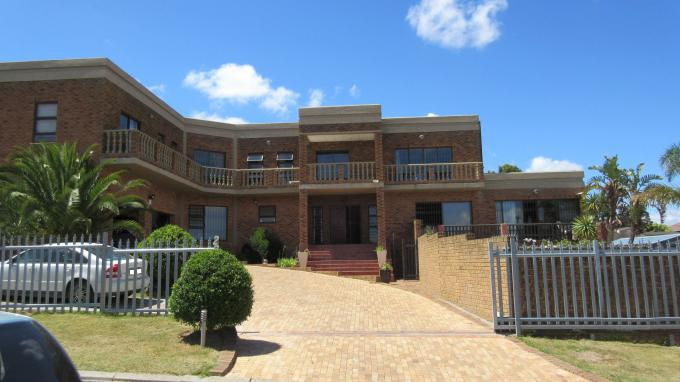 4 Bedroom House for Sale For Sale in Durbanville   - Home Sell - MR353319