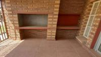 Patio - 9 square meters of property in Waterval East