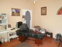 Bed Room 1 - 18 square meters of property in Lansdowne