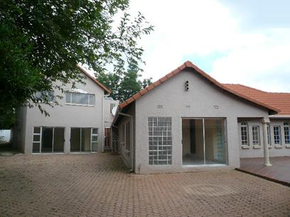 Standard Bank Repossessed 7 Bedroom House for Sale For Sale in Northcliff - MR35452