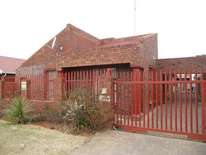 Standard Bank Repossessed 3 Bedroom House for Sale For Sale in Lenasia South - MR35497