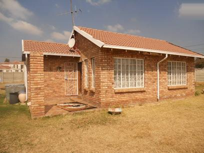 Standard Bank EasySell 2 Bedroom House for Sale For Sale in Kempton Park - MR35513
