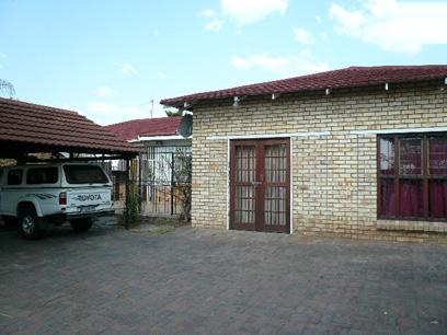 Standard Bank EasySell 3 Bedroom House For Sale in Rustenburg - MR35518