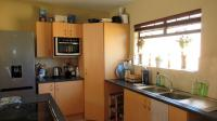 Kitchen - 10 square meters of property in Erand Gardens