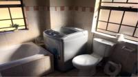 Bathroom 1 - 7 square meters of property in Erand Gardens