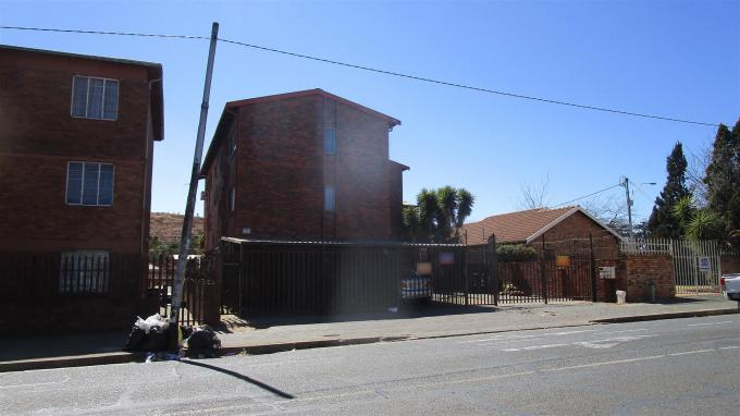 Standard Bank EasySell 2 Bedroom Sectional Title for Sale in Turffontein - MR356986