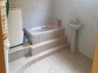 Main Bathroom - 3 square meters of property in The Orchards