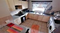 Kitchen - 13 square meters of property in Hartenbos