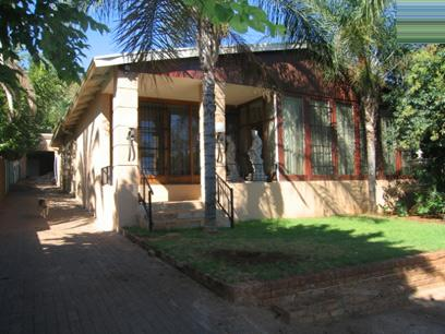 3 Bedroom House For Sale in Capital Park - Private Sale - MR36100