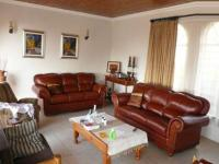 Lounges - 36 square meters of property in Weavind Park
