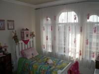 Bed Room 1 - 14 square meters of property in Weavind Park