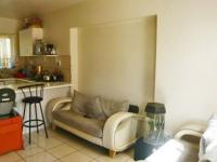 Lounges - 17 square meters of property in Ferndale - JHB