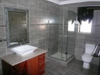 Bathroom 2 - 13 square meters of property in Zwavelpoort
