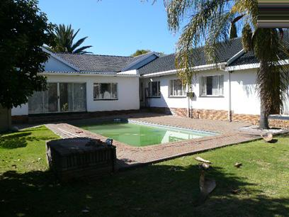 5 Bedroom House for Sale For Sale in Rooihuiskraal - Private Sale - MR36371