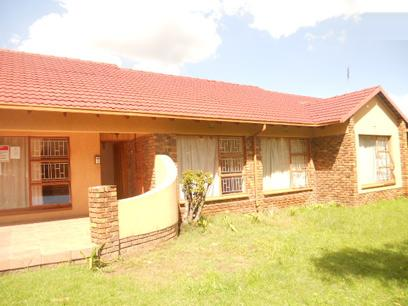 Standard Bank Repossessed 3 Bedroom House for Sale on online auction in Kempton Park - MR36450