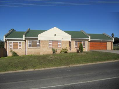 Standard Bank Repossessed 3 Bedroom House for Sale For Sale in Beacon Bay - MR36493