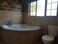 Main Bathroom of property in Modimolle (Nylstroom)
