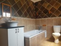 Bathroom 1 of property in Modimolle (Nylstroom)
