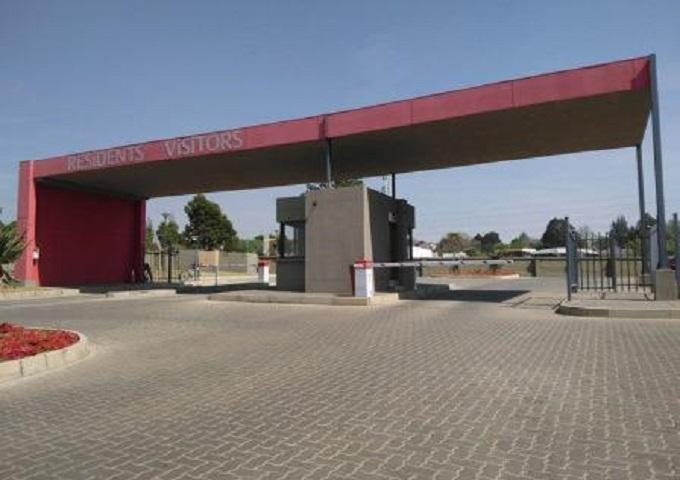 FNB SIE Sale In Execution 1 Bedroom Sectional Title for Sale in Noordwyk - MR366738