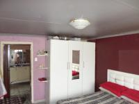 Bed Room 1 - 14 square meters of property in Boksburg