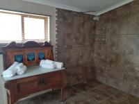 Bathroom 1 of property in Barrydale