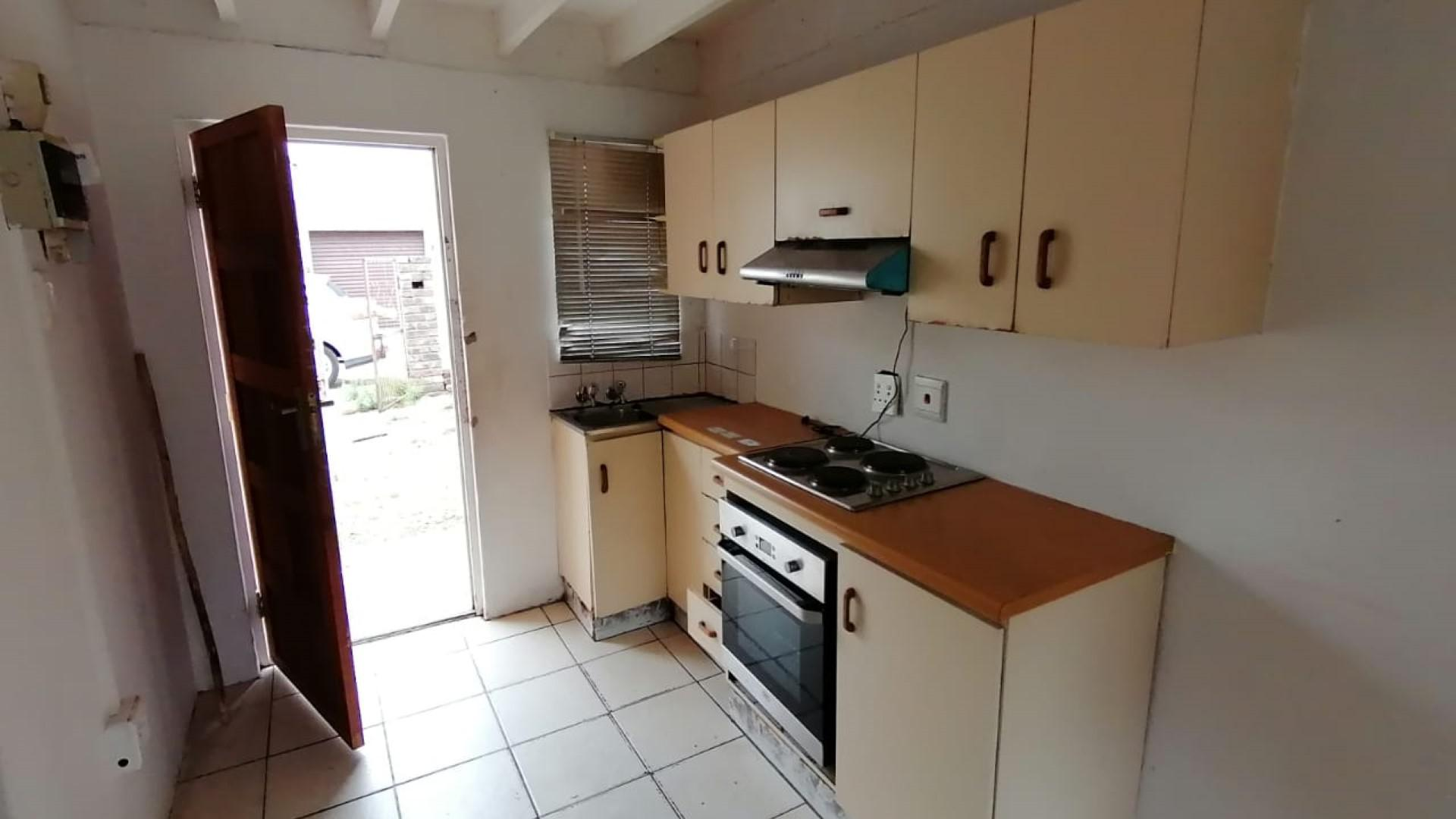 Kitchen of property in Algoa Park