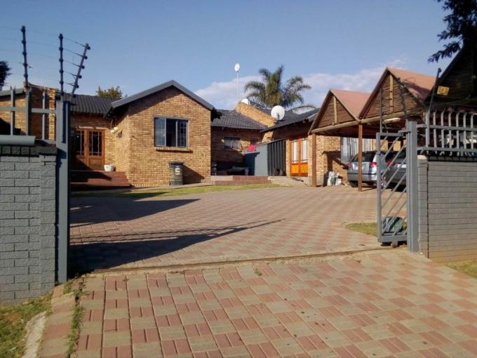 6 Bedroom House for Sale For Sale in The Reeds - MR372643