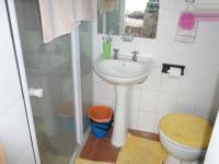Bathroom 1 of property in Rietfontein