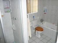 Main Bathroom - 6 square meters of property in Eldoraigne