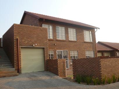 2 Bedroom Simplex for Sale For Sale in The Reeds - Home Sell - MR37278
