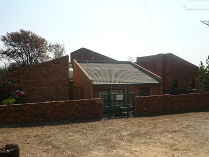 5 Bedroom House for Sale For Sale in Mnandi AH - Home Sell - MR37279