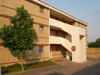 1 Bedroom Simplex For Sale in Durbanville   - Home Sell - MR37297