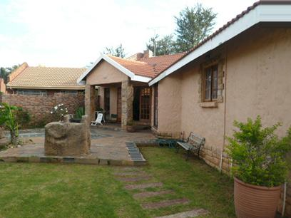 3 Bedroom Duet for Sale For Sale in Garsfontein - Home Sell - MR37315